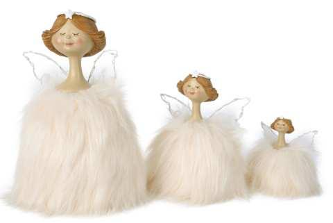 Engel im Federkleid stehend